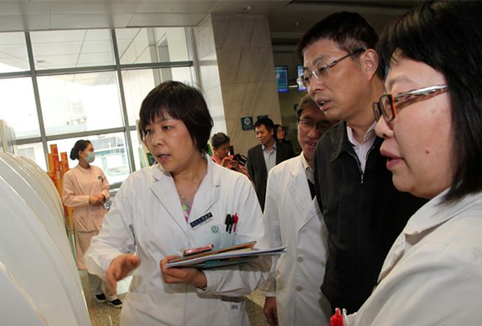 首都医科大学附属北京友谊医院原名为北京苏联红十字医院,始建于1952年。是新中国成立后,在苏联政府和苏联红十字会援助下,由中国政府建立的第一所大医院。1954年,医院从甘水桥旧址迁入现址。毛泽东主席、刘少奇副主席、周恩来总理、朱德委员长特为医院亲笔题词。1957年3月,苏